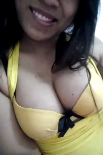 Thai pussy in yellow